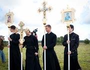 Можно ли поминать католиков и протестантов?