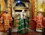 В праздник Собора Архистратига Михаила Предстоятель Русской Церкви совершил Литургию в Архангельском соборе Московского Кремля