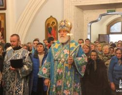 В канун праздника Благовещения Пресвятой Богородицы митрополит Павел совершил всенощное бдение в Свято-Духовом кафедральном соборе города Минска