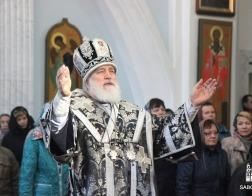 В Великую Субботу Патриарший Экзарх совершил Литургию святителя Василия Великого в Свято-Духовом кафедральном соборе города Минска