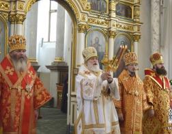 В понедельник Светлой седмицы Патриарший Экзарх возглавил Пасхальную великую вечерню в Свято-Духовом кафедральном соборе города Минска