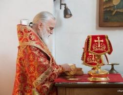 В среду Светлой седмицы Патриарший Экзарх возглавил Литургию в Петро-Павловском храме города Минска