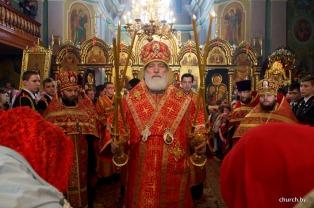 Во вторник Светлой седмицы Патриарший Экзарх возглавил Пасхальную великую вечерню в Гродненском Рождество-Богородичном женском монастыре