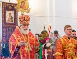 В пятницу Светлой седмицы митрополит Павел совершил Литургию в Покровском храме города Минска