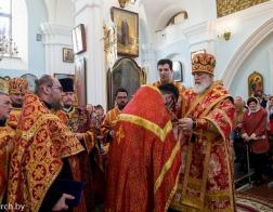 Патриарший Экзарх совершил Пасхальную вечерню и утреню в Свято-Духовом кафедральном соборе города Минска
