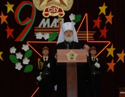 В субботу Светлой седмицы Патриарший Экзарх совершил Литургию в храме в честь апостола и евангелиста Иоанна Богослова в Минском Суворовском военном училище