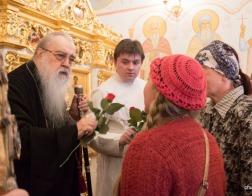 В Неделю жен-мироносиц митрополит Филарет совершил Литургию в домовом храме Минского епархиального управления
