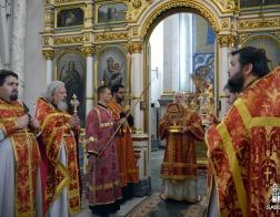 В Неделю о самаряныне митрополит Павел совершил Литургию в Свято-Духовом кафедральном соборе города Минска