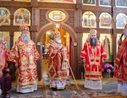 В среду 5-й седмицы по Пасхе Патриарший Экзарх возглавил Литургию в храме в честь преподобного Серафима Саровского в городе Жлобине