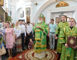 В праздник Пятидесятницы митрополит Павел возглавил Литургию в Свято-Духовом кафедральном соборе города Минска
