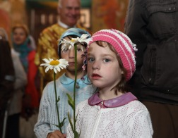 В Гродненском Рождество-Богородичном монастыре вручили подарки двадцати многодетным семьям