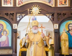 В день памяти равноапостольного великого князя Владимира митрополит Павел совершил Литургию в Князь-Владимирском храме города Минска