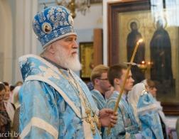 В канун Недели 11-й по Пятидесятнице митрополит Павел совершил всенощное бдение в Свято-Духовом кафедральном соборе города Минска