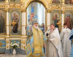 В неделю 14-ю по Пятидесятнице митрополит Павел совершил Литургию в Свято-Духовом кафедральном соборе Минска и рукоположил новых клириков