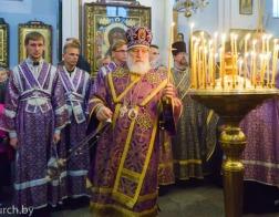 В канун недели 15-ой по Пятидесятнице митрополит Павел совершил всенощное бдение в Свято-Духовом кафедральном соборе Минска