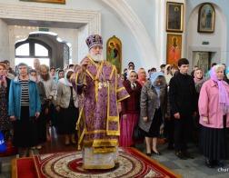В неделю 15-ю по Пятидесятнице митрополит Павел совершил Литургию в Свято-Духовом кафедральном соборе Минска