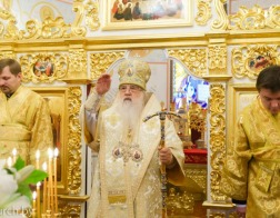В Неделю 16-ю по Пятидесятнице митрополит Филарет совершил Литургию в домовом храме Минского епархиального управления