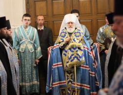 В канун праздника Покрова Пресвятой Богородицы митрополит Павел совершил всенощное бдение в Свято-Духовом кафедральном соборе города Минска