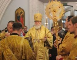 В канун Недели 18-й по Пятидесятнице митрополит Павел совершил всенощное бдение в Свято-Духовом кафедральном соборе города Минска