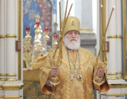 В Неделю 21-ю по Пятидесятнице митрополит Павел совершил Литургию в Свято-Духовом кафедральном соборе города Минска