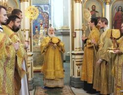 В Неделю 23-ю по Пятидесятнице Патриарший Экзарх совершил Литургию в Свято-Духовом кафедральном соборе города Минска