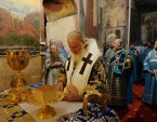 В праздник Казанской иконы Божией Матери Предстоятель Русской Церкви совершил Литургию в Успенском соборе Кремля