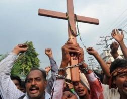 В Египте толпа мусульман устроила погром в христианском общинном центре