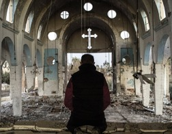 Сирийский епископ собрал пожертвования для выкупа из плена ИГ 200 христиан
