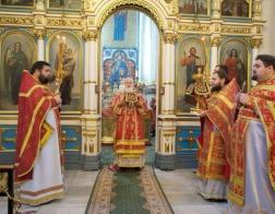 В день памяти великомученицы Варвары митрополит Павел совершил Литургию в Свято-Духовом кафедральном соборе города Минска