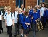 В школах Англии откажутся от слов мальчик и девочка - как дискриминирующих права транссексуалов