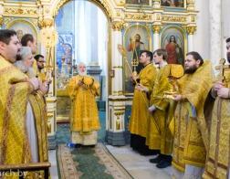 В Неделю 26-ю по Пятидесятнице Патриарший Экзарх совершил Литургию в Свято-Духовом кафедральном соборе города Минска