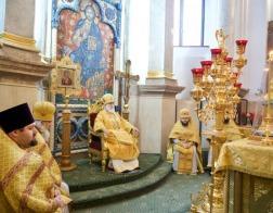 В Неделю святых праотец Патриарший Экзарх совершил Литургию в Свято-Духовом кафедральном соборе города Минска