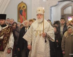 В канун праздника Собора Пресвятой Богородицы митрополит Павел совершил всенощное бдение в Свято-Духовом кафедральном соборе города Минска