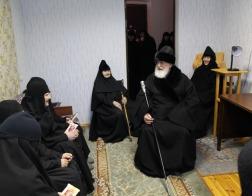 Митрополит Павел поздравил с Рождеством Христовым болящих сестер Спасо-Евфросиниевского женского монастыря