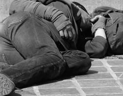 В Канаде бывший бездомный наркоман стал священником и служит обездоленным