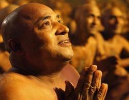 Индус принес себя в жертву на алтаре богини Чиннамасты