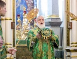 В день памяти блаженной Валентины Минской митрополит Павел совершил Литургию в Свято-Духовом кафедральном соборе города Минска