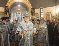 Патриарший Экзарх совершил Литургию в столичном храме в честь иконы Божией Матери «Взыскание погибших»