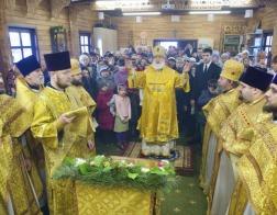 Патриарший Экзарх совершил Литургию в храме в честь святителя Николая Японского города Минска