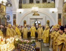 В Неделю о Страшном суде собор архипастырей Белорусской Православной Церкви совершил Литургию в Свято-Духовом кафедральном соборе города Минска
