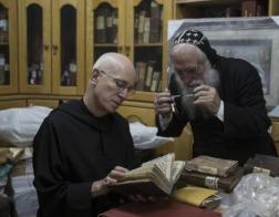 Бенедиктинский монах занимается оцифровкой ближневосточных рукописей, которым угрожает уничтожение