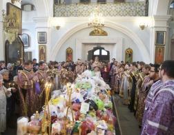 В субботу второй седмицы Великого поста Патриарший Экзарх совершил Литургию в Свято-Духовом кафедральном соборе города Минска