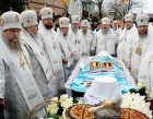 Состоялось отпевание и погребение новопреставленного митрополита Нифонта (Солодухи)