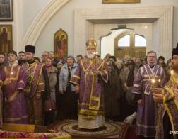 В канун Недели преподобного Иоанна Лествичника Патриарший Экзарх совершил всенощное бдение в Свято-Духовом кафедральном соборе города Минска