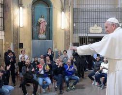 В ходе пастырского визита в Милан Папа Франциск посетил тюрьму и пообедал с заключенными