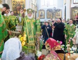 В праздник Входа Господня в Иерусалим Патриарший Экзарх совершил Литургию в Свято-Духовом кафедральном соборе города Минска