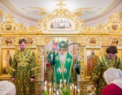 В праздник Входа Господня в Иерусалим митрополит Филарет совершил Литургию в домовом храме Минского епархиального управления