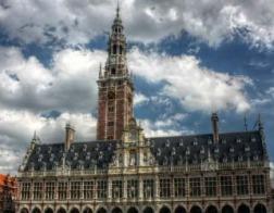 В Бельгии католический университет уволил преподавательницу, определившую аборт как форму убийства