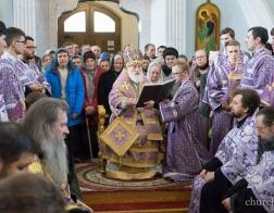 В Великий Четверток митрополит Павел совершил вечерню, Литургию и чин умовения ног в Свято-Духовом кафедральном соборе города Минска