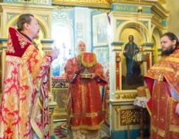 В понедельник Светлой седмицы митрополит Павел совершил Литургию в Александро-Невском храме города Минска